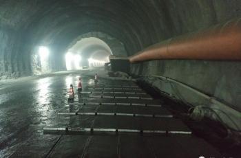 深坑隧道出口排水沟盖板预制